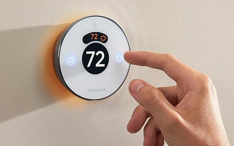 a programmable thermostat saves money